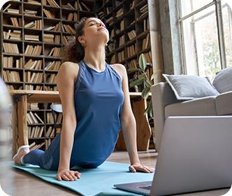 Sessione di yoga o pilates online